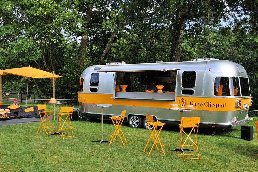 Airstream Food Trailer in silber.