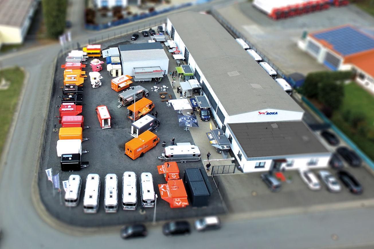 Verkaufsfahrzeuge auf der ROKA Hausmesse